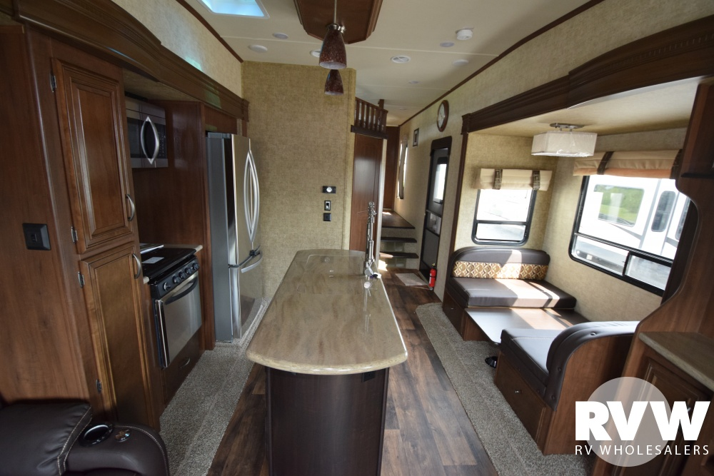 Click here to see the New 2018 Sandpiper 372LOK Fifth Wheel by Forest River at RVWholesalers.com