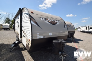 2018 Wildwood XLite 230BHXL by Forest River