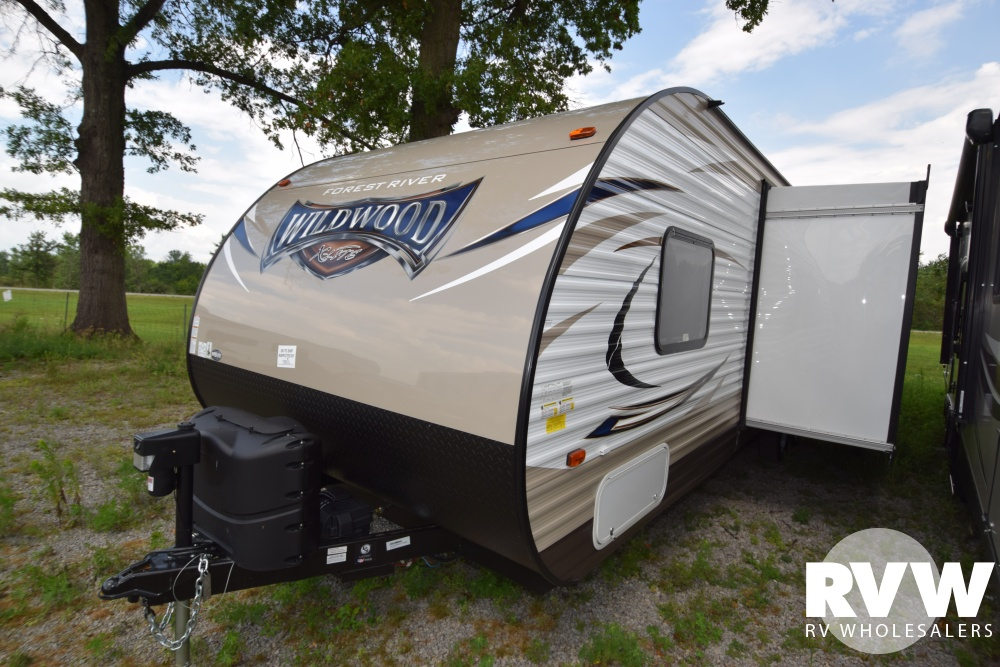Click here to see the New 2018 Wildwood XLite 263BHXL Travel Trailer by Forest River at RVWholesalers.com