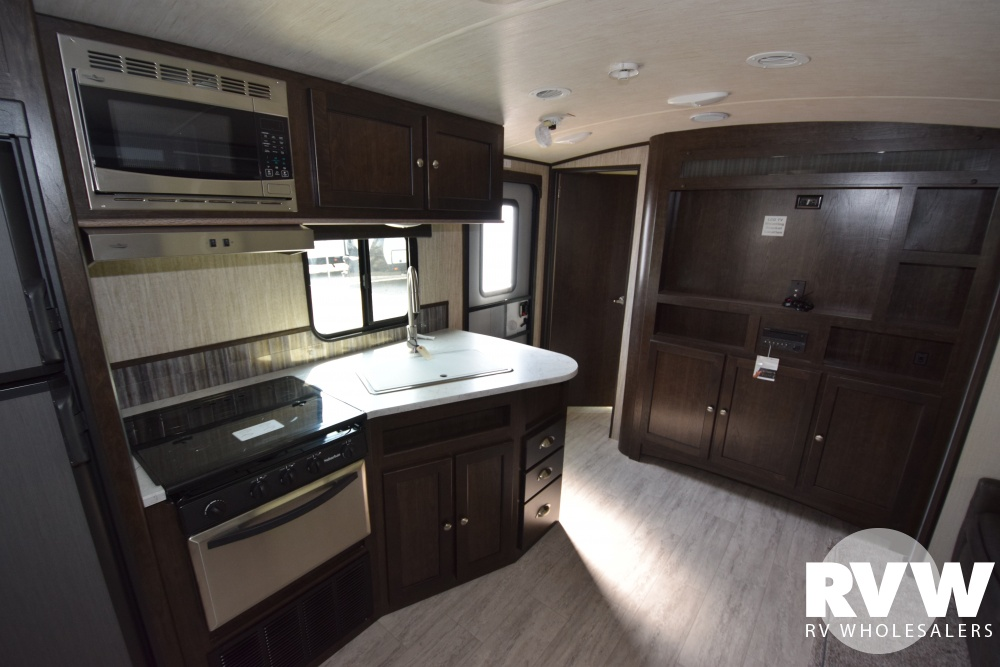 Click here to see the New 2018 Shadow Cruiser 289RBS Travel Trailer by Cruiser RV at RVNation.us