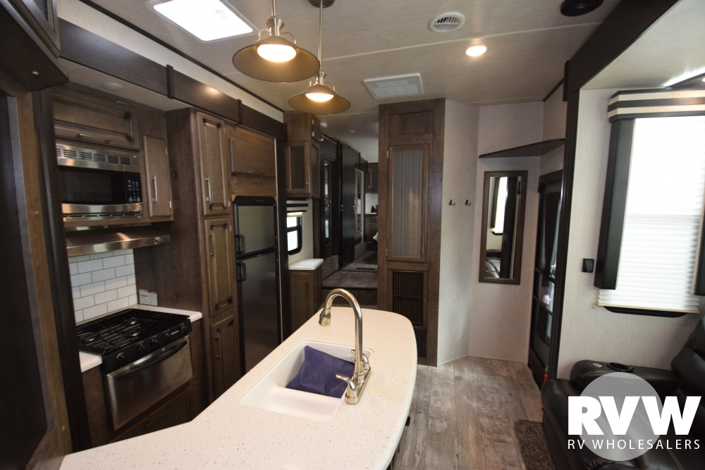 Click here to see the New 2018 Torque 345 Toy Hauler Fifth Wheel by Heartland RV at RVWholesalers.com