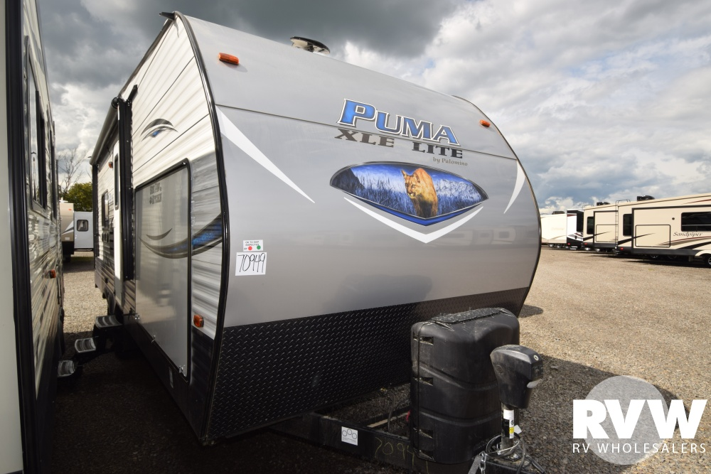 Click here to see the New 2018 Puma XLE 25TFC Toy Hauler Travel Trailer by Palomino at RVWholesalers.com