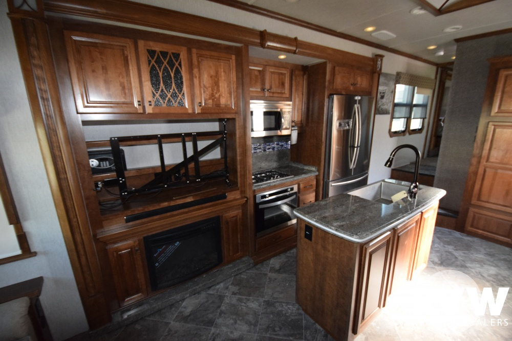Click here to see the New 2018 Landmark 365 Louisville Fifth Wheel by Heartland RV at RVWholesalers.com
