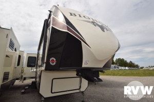 2018 Bighorn 3270RS by Heartland