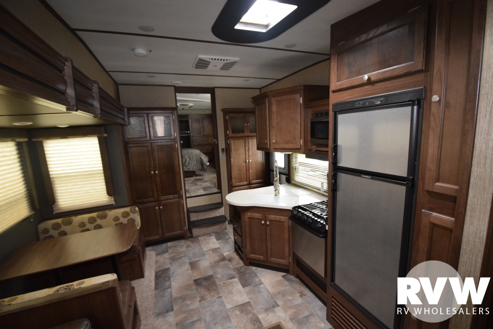 Click here to see the New 2018 Sprinter 293FWBHS Fifth Wheel by Keystone RV at RVWholesalers.com
