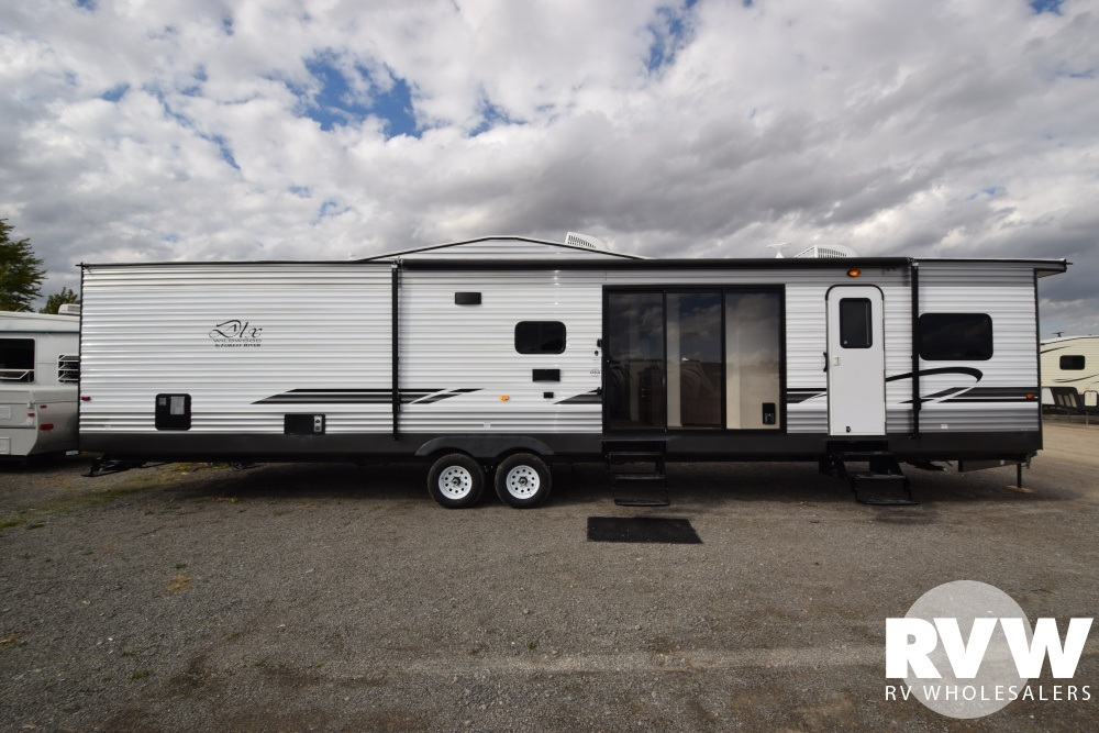 Click here to see the New 2018 Wildwood DLX 4002Q Park Trailer by Forest River at RVWholesalers.com