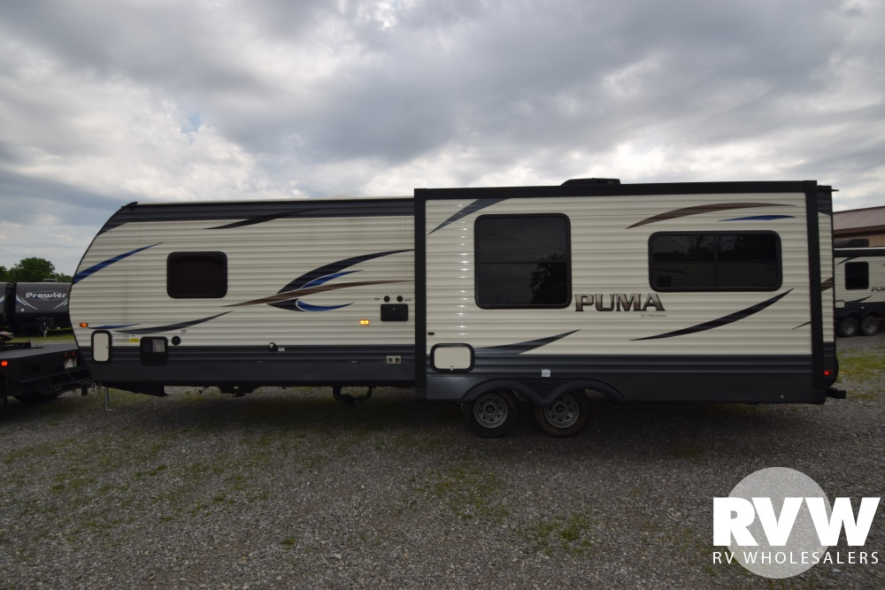 Click here to see the New 2018 Puma 30RLIS Travel Trailer by Palomino at RVWholesalers.com