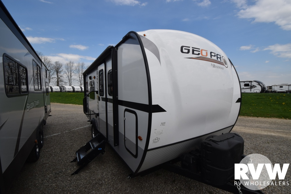 Click here to see the New 2018 Rockwood Geo Pro G19FD Travel Trailer by Forest River at RVWholesalers.com