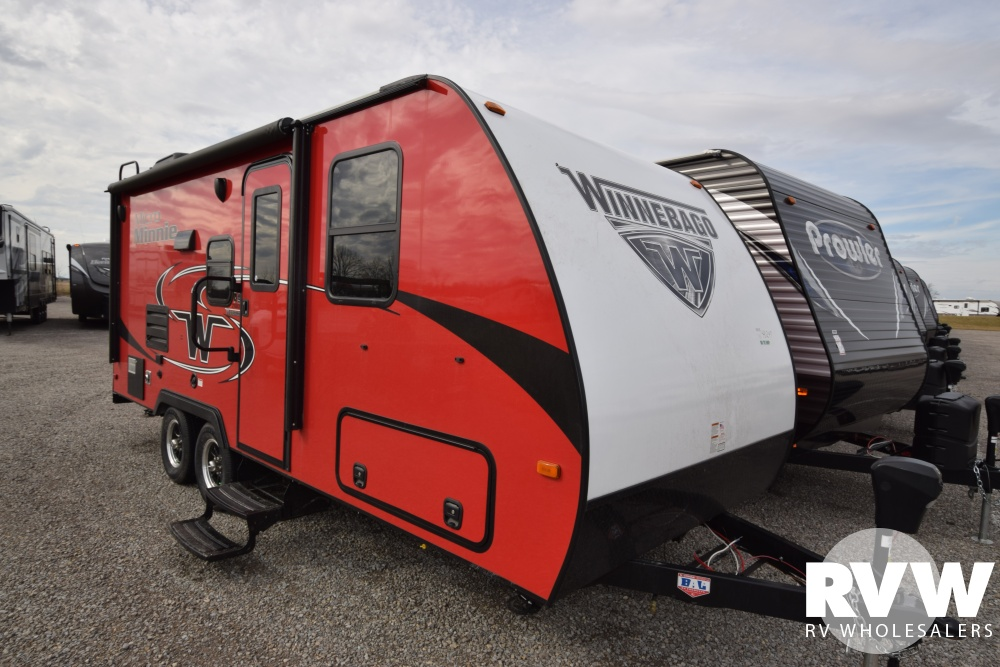 Click here to see the New 2018 Winnebago Micro Minnie 2108DS Travel Trailer by Winnebago at RVNation.us