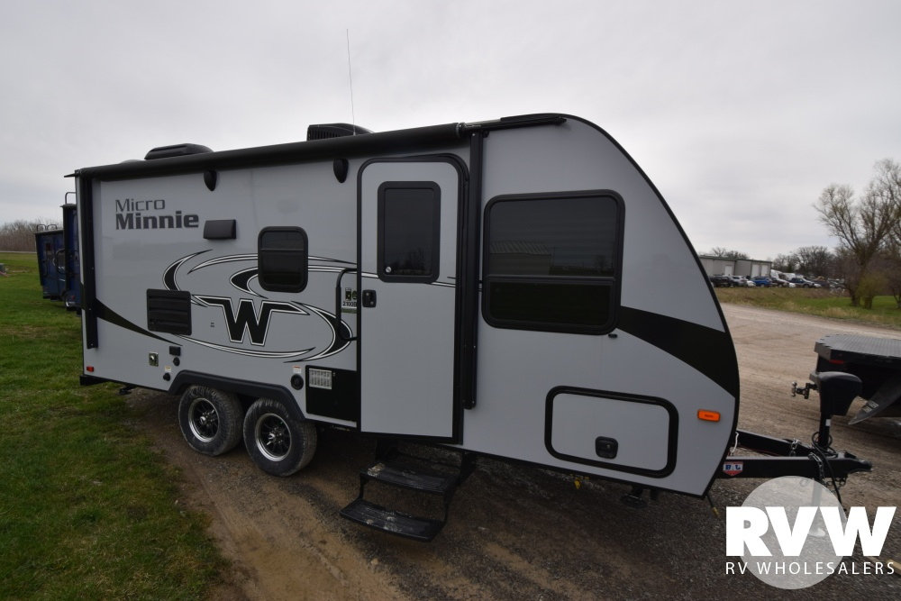 Click here to see the New 2018 Winnebago Micro Minnie 2100BH Travel Trailer by Winnebago at RVWholesalers.com