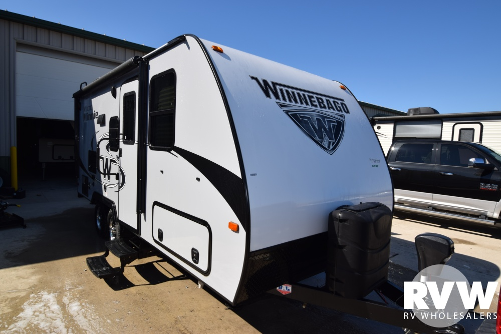 Click here to see the New 2018 Winnebago Micro Minnie 2106DS Travel Trailer by Winnebago at RVWholesalers.com