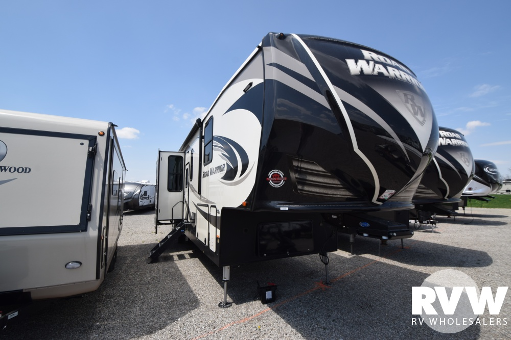 Click here to see the New 2018 Road Warrior 426 Toy Hauler Fifth Wheel by Heartland RV at RVWholesalers.com