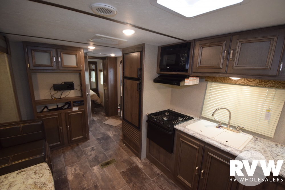 Click here to see the New 2018 Passport GT 2520RL Travel Trailer by Keystone RV at RVWholesalers.com