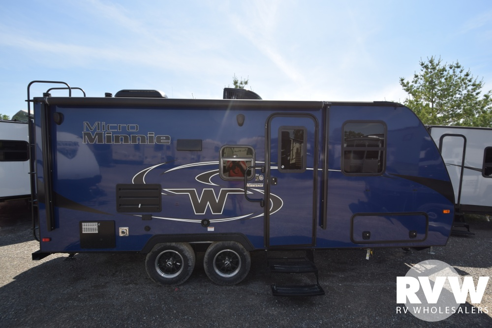 Click here to see the New 2018 Winnebago Micro Minnie 2108DS Travel Trailer by Winnebago at RVWholesalers.com