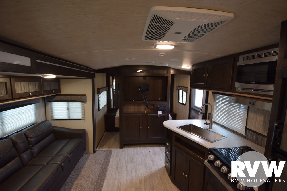 Click here to see the New 2018 Shadow Cruiser 280QBS Travel Trailer by Cruiser RV at RVNation.us
