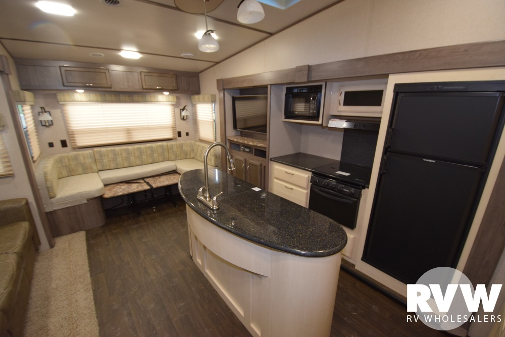 Click here to see the New 2018 Winnebago Minnie Plus 27RLTS Fifth Wheel by Winnebago at RVWholesalers.com