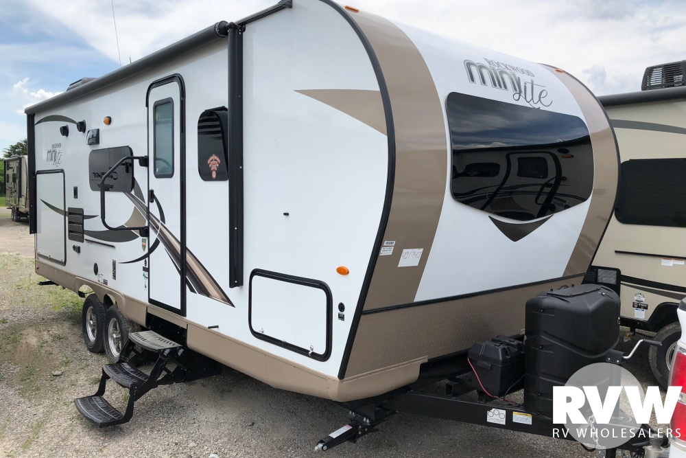 Click here to see the New 2018 Rockwood Mini Lite 2507S Travel Trailer by Forest River at RVWholesalers.com