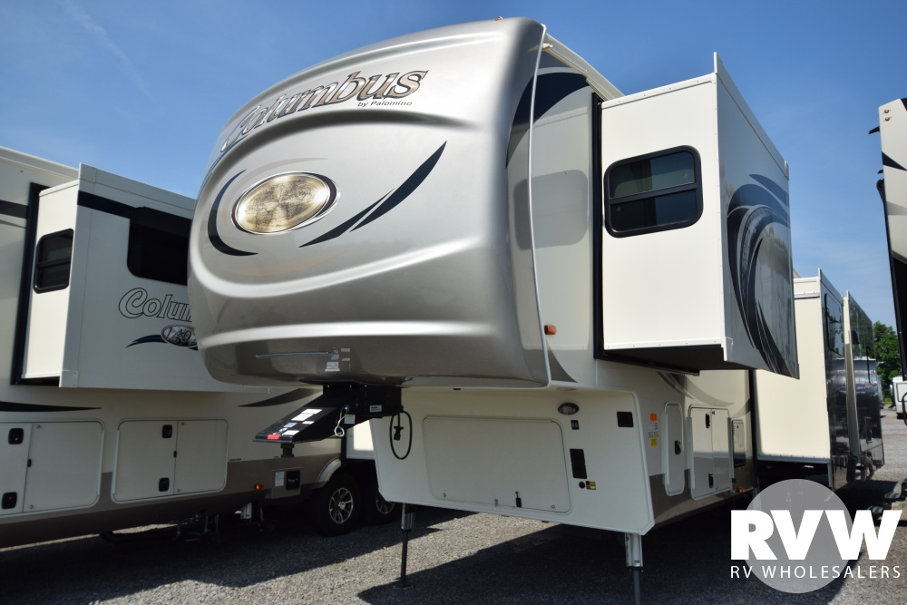 Click here to see the New 2018 Columbus 378MB Fifth Wheel by Palomino at RVWholesalers.com