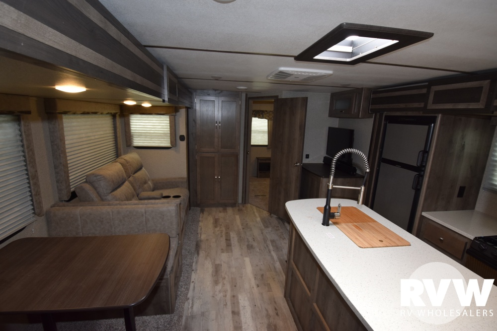 Click here to see the New 2018 Sprinter Limited 325BMK Travel Trailer by Keystone RV at RVWholesalers.com