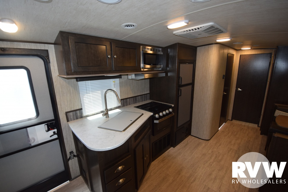 Click here to see the New 2018 Shadow Cruiser 313BHS Travel Trailer by Cruiser RV at RVWholesalers.com