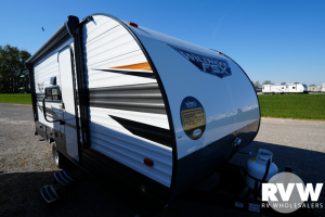 2022 Forest River Wildwood FSX 177BH Travel Trailer: image 1