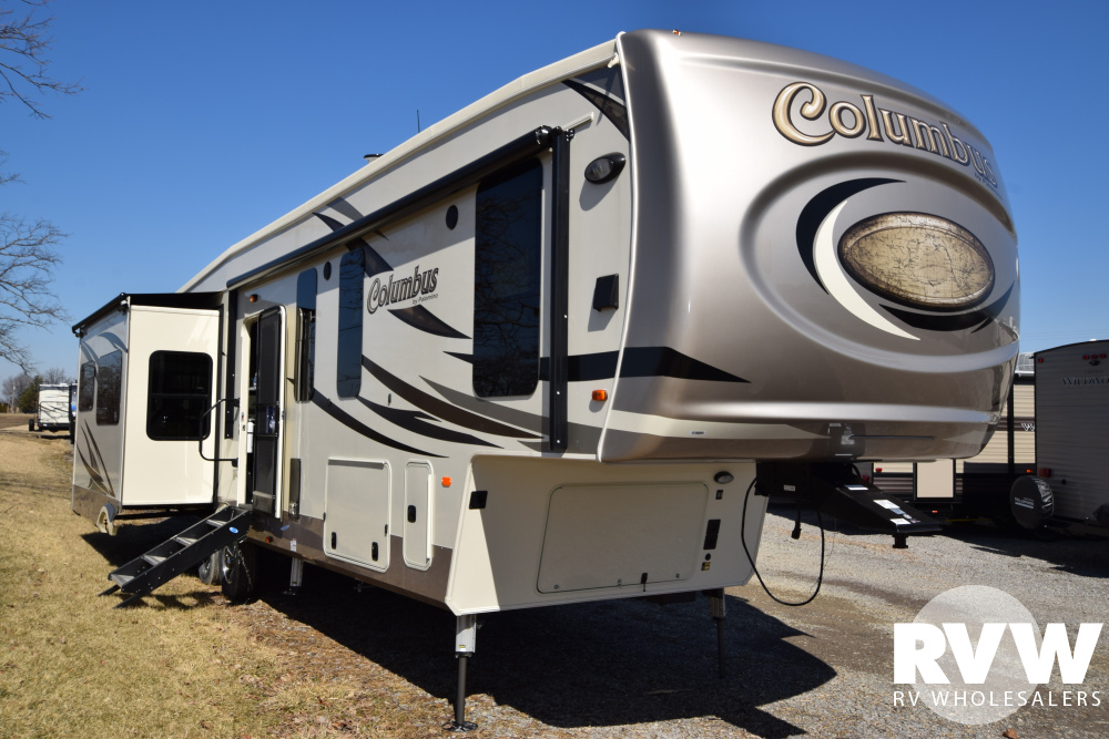 Click here to see the New 2019 Columbus 377MB Fifth Wheel by Palomino at RVWholesalers.com