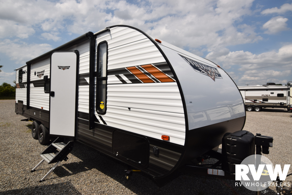 Click here to see the New 2020 Wildwood XLite 282QBXL Travel Trailer by Forest River at RVWholesalers.com