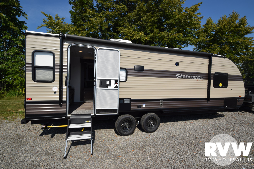 Click here to see the New 2020 Wildwood XLite 24RLXL Travel Trailer by Forest River at RVWholesalers.com