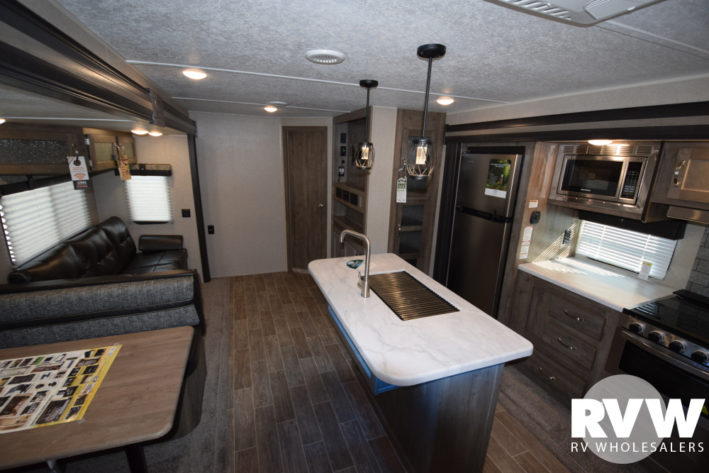 Click here to see the New 2020 Puma 32BHKS Travel Trailer by Palomino at RVWholesalers.com