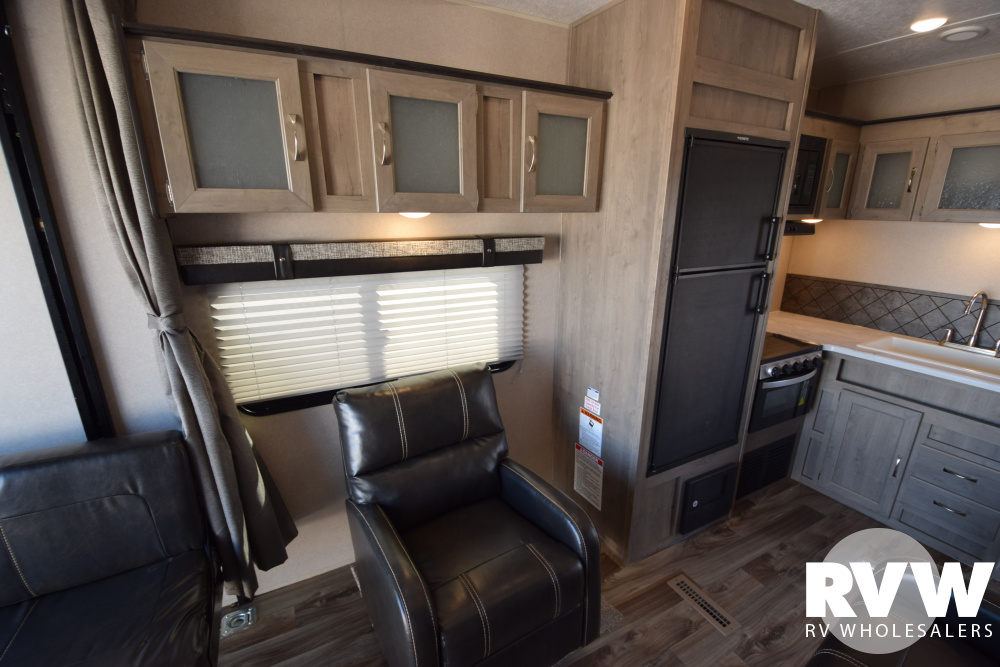 Click here to see the New 2020 Puma XLE 27QBC Toy Hauler Travel Trailer by Palomino at RVNation.us