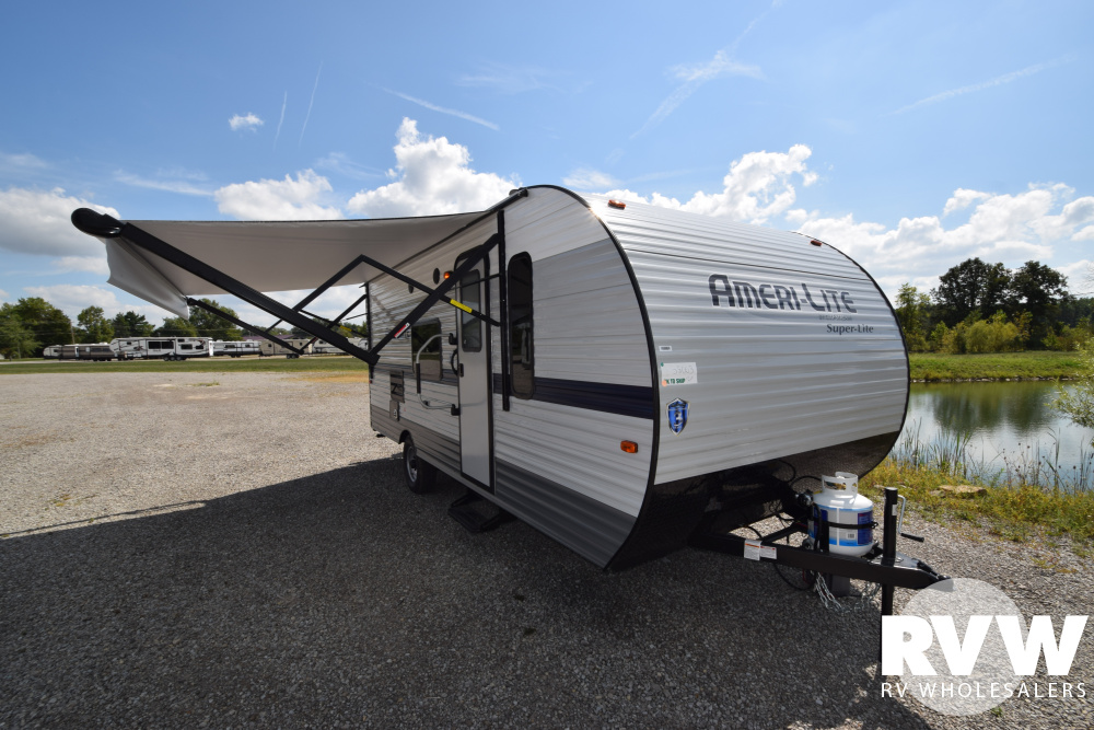 Click here to see the New 2020 Ameri-lite Super Lite 199DD Travel Trailer by Gulf Stream at RVNation.us