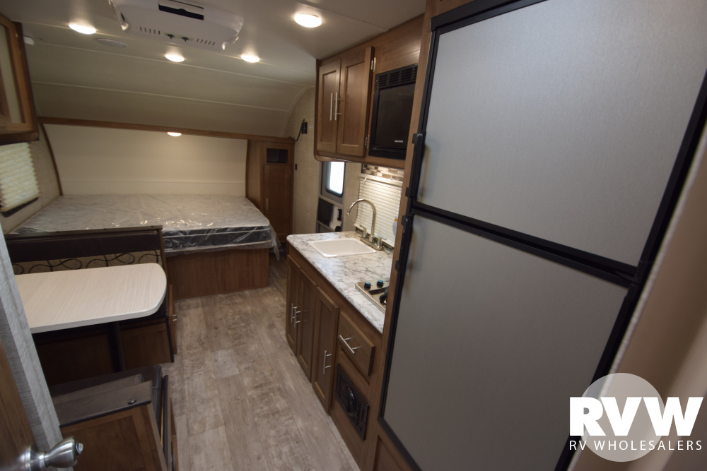 Click here to see the New 2020 Ameri-lite Super Lite 199RK Travel Trailer by Gulf Stream at RVNation.us
