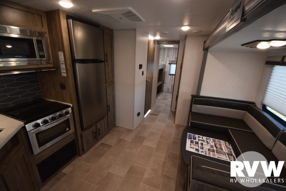 Click here to see the New 2020 Puma XLE 31BHSC Travel Trailer by Palomino at RVNation.us