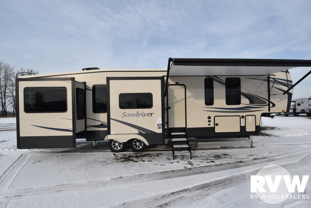 Click here to see the New 2020 Sandpiper 39BARK Fifth Wheel by Forest River at RVWholesalers.com