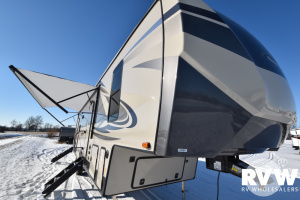 2022 Forest River Sandpiper C-Class 3330BH Fifth Wheel: image 1