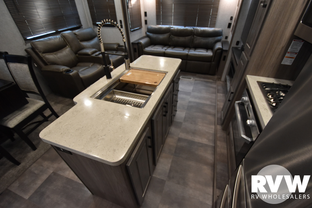 Click here to see the New 2020 Cameo 3921BR Fifth Wheel by Crossroads at RVWholesalers.com