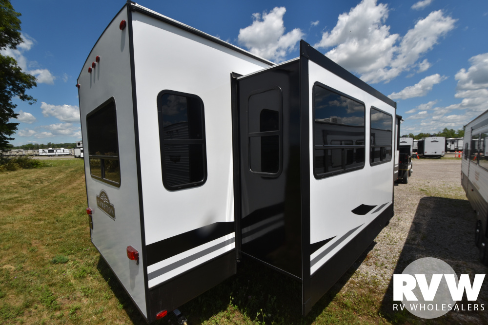 Click here to see the New 2021 Hampton 374BAR Park Trailer by Crossroads at RVWholesalers.com