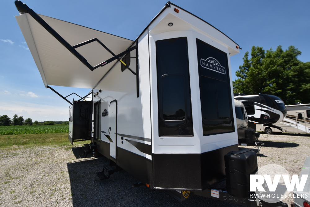 Click here to see the New 2021 Hampton 375DBL Park Trailer by Crossroads at RVWholesalers.com