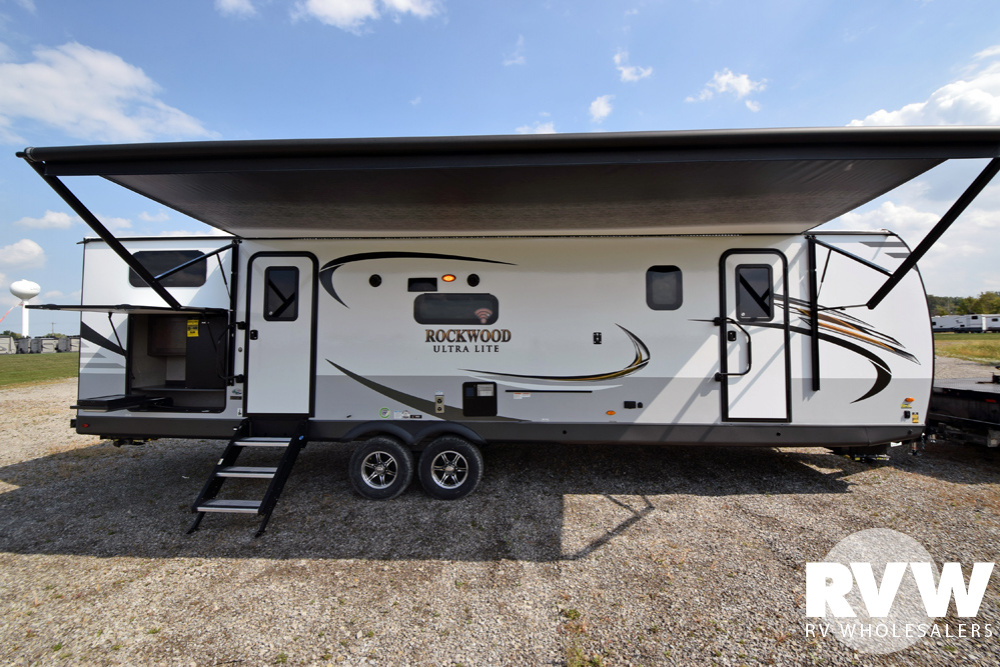Click here to see the New 2020 Rockwood Ultra Lite 2911BS Travel Trailer by Forest River at RVNation.us