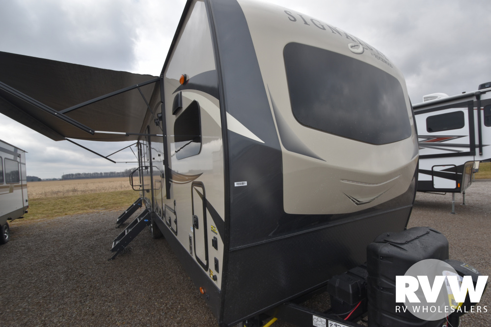 Click here to see the New 2020 Rockwood Signature Ultra Lite 8335SB Travel Trailer by Forest River at RVWholesalers.com