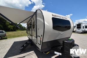 2021 Forest River Rockwood Mini Lite 2104S Travel Trailer: image 1
