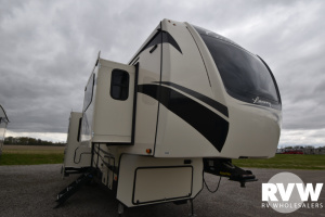 2022 Forest River Cardinal Luxury 370FLX Fifth Wheel: image 1