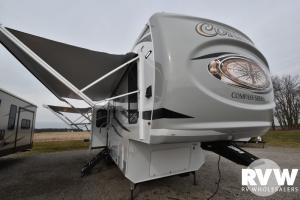 2021 Palomino Columbus 298RLC Fifth Wheel: image 1