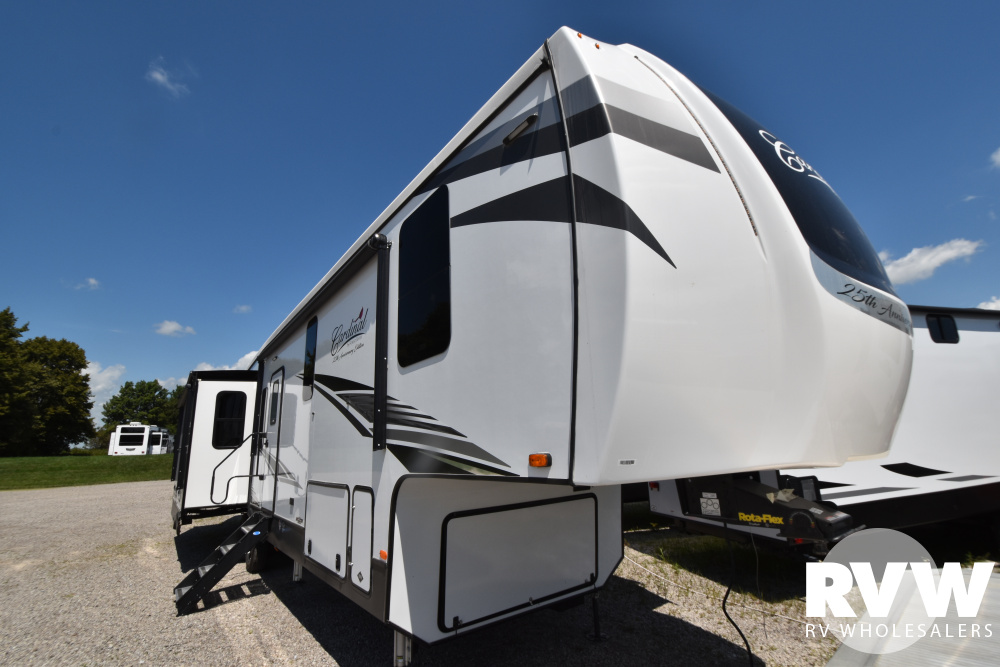 Click here to see the New 2021 Cardinal Luxury 345RLX Fifth Wheel by Forest River at RVWholesalers.com