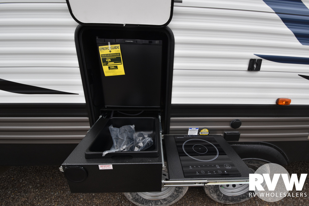 Click here to see the New 2020 Puma 28DBFQ Travel Trailer by Palomino at RVWholesalers.com