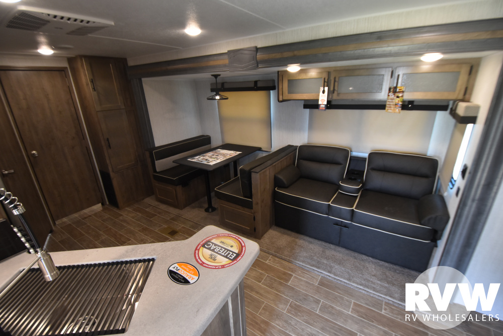 Click here to see the New 2021 Puma 32BHQS Travel Trailer by Palomino at RVWholesalers.com