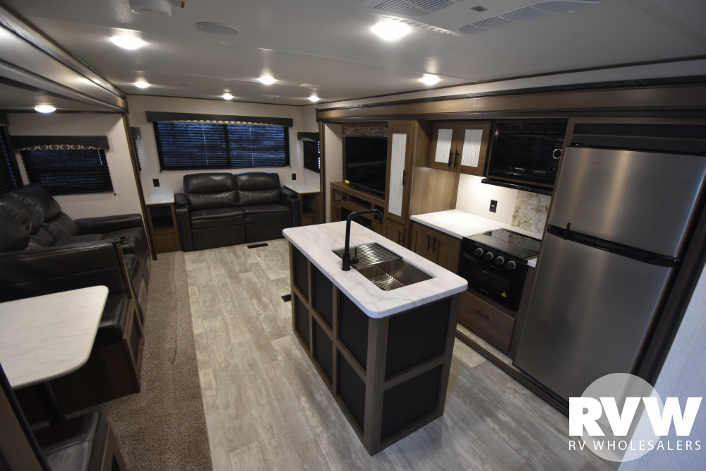 Click here to see the New 2021 Avenger 28REI Travel Trailer by Prime Time RV at RVWholesalers.com