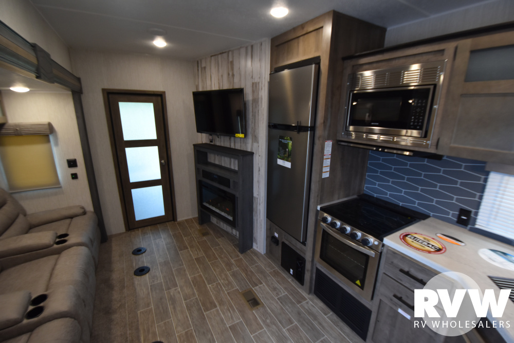 Click here to see the New 2021 Puma 381FTB Toy Hauler Fifth Wheel by Palomino at RVWholesalers.com