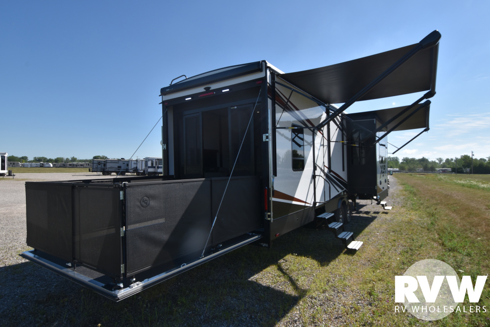 Click here to see the New 2021 XLR Nitro 35DK5 Toy Hauler Fifth Wheel by Forest River at RVWholesalers.com