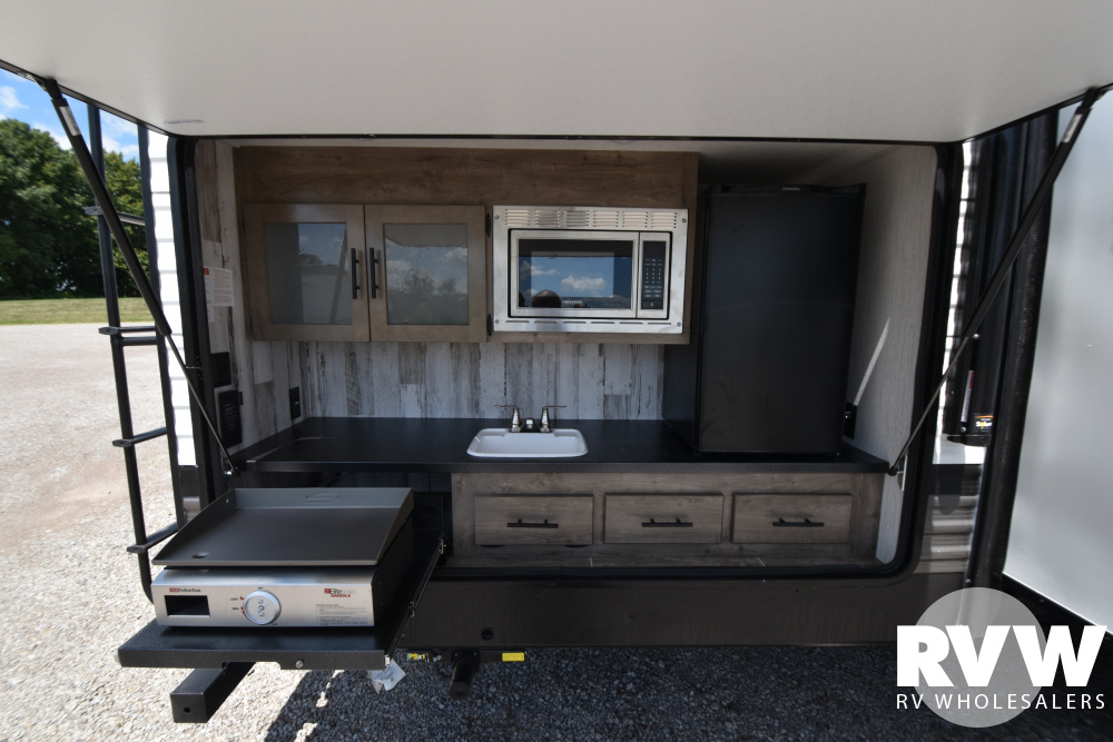 Click here to see the New 2021 Puma 32BHKS Travel Trailer by Palomino at RVWholesalers.com